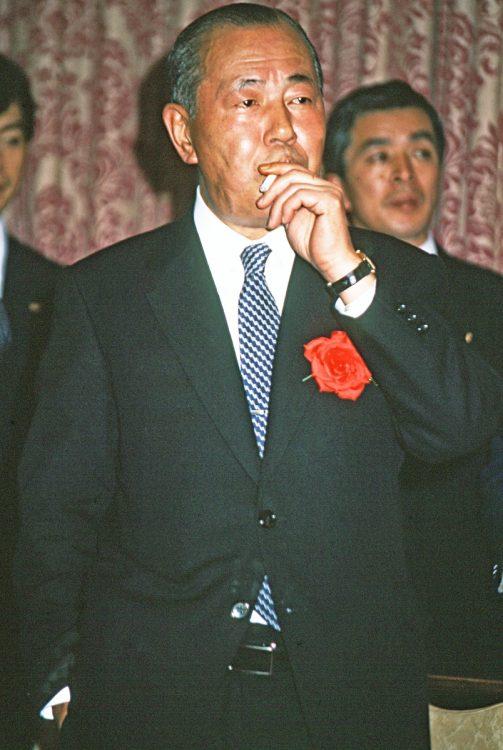 田中角栄元首相のタバコにまつわる思い出を元衆院議員の石井一氏が振り返る