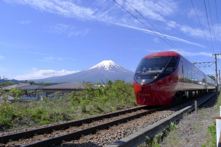 絶景を楽しめる日本各地の観光列車をピックアップ(写真/富士急行)