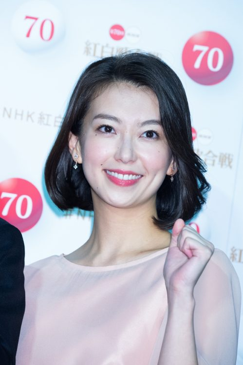 NHKアナは民法アナと何が違う?(写真は和久田麻由子アナ/ロケットパンチ)