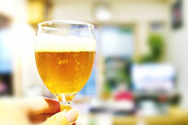 新型コロナウイルスの感染防止のため宅飲みが広まった(イメージ)