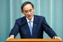 菅義偉・首相はこのまま引き下がらない?(時事通信フォト)