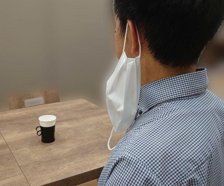 """マスクを掛けておくだけの「耳掛け」など、さまざまな""""しぐさ""""が定着"""