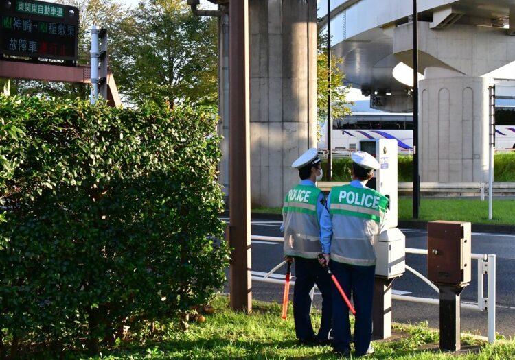 小室氏帰国時は空港近くで千葉県警が信号機を操作