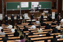 学歴による社会の分断 「日本人の3人に1人は日本語が読めない」調査結果も