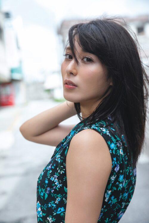 最新写真集『金子智美写真集 美しい人』は10月21日に発売