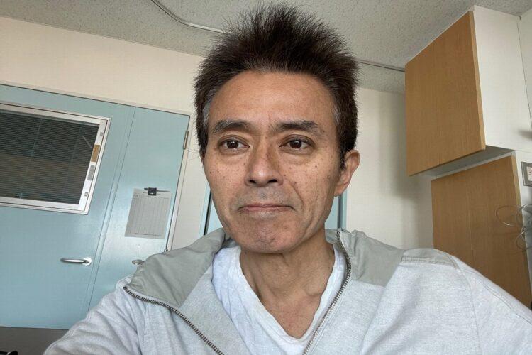入院2日目の相澤氏。体重はすでに7㎏減っていた