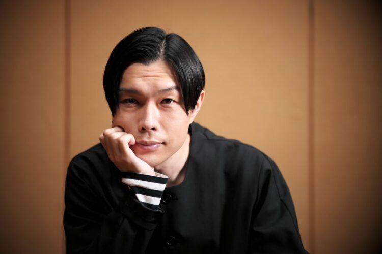 2冊目となる著書には書き下ろし小説が収録されている(写真:小倉雄一郎)