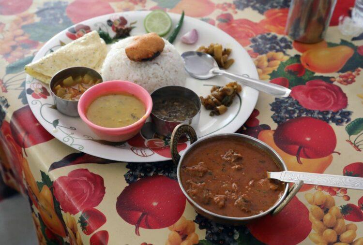 インド料理店で働くネパール人は多い(イメージ、時事通信フォト)