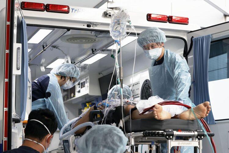 デルタ株で入院するリスクは、従来株の2倍以上(写真/共同通信社)