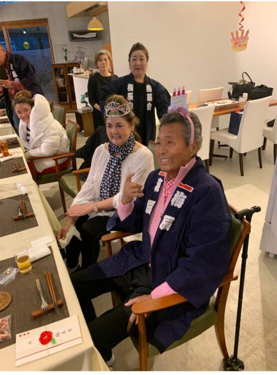 2019年3月、真鶴のレストランで行われた辰夫さんとクラウディアさんの合同誕生パーティー