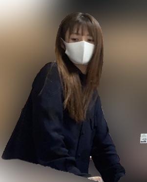 顎を引いた深田恭子