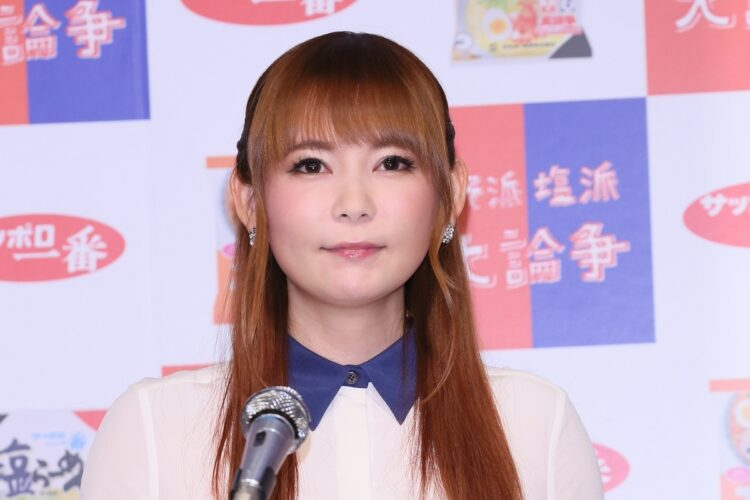 中川翔子、久々ビキニの胸元ボリュームが! 36歳で「成長中」の秘密